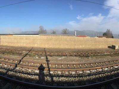 Vilshofen a. Donau, Lärmschutzgabionen, Neubau der Lärmschutzwand mit Gabionen, am Bahnhof Seite Bahnhofstraße.