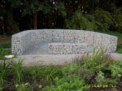 Granit-Info-Weg, Zaun-Gartenanlage